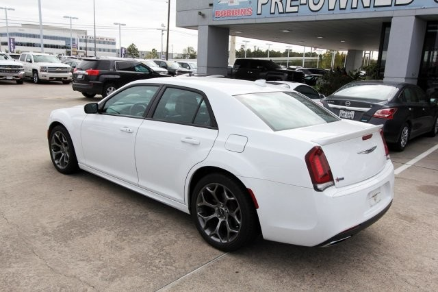 Pre-Owned 2018 Chrysler 300 300S